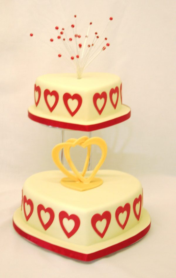wedding cake with Barker Bakes pearl cake topper