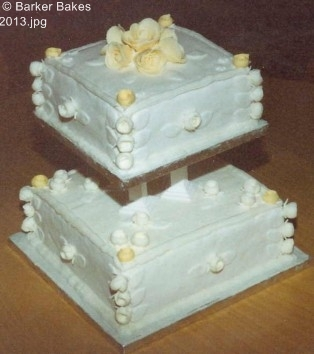 2 Tier Wedding Cakes_40