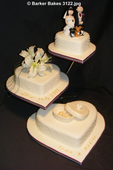 3122 3 tier heart wedding cakes