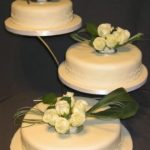 3009 3 tier wedding cakes with fresh flowers