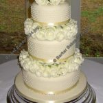 3124 3 tier wedding cakes with fresh flowers