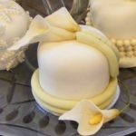 calla_lillies - Individual Wedding Cakes