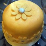 silver_and_peach_daises - Individual Wedding Cakes